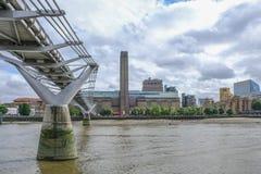 London, Großbritannien - 3. August 2017: Blicken in Richtung des Tate Modern-ACC Lizenzfreie Stockfotos