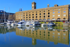 London, Großbritannien - 27. März 2016 - Dock St. Katharine Lizenzfreie Stockfotografie