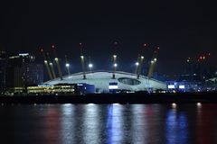 London Großbritannien 02/12/2017 Nachtszene der Arena O2 in London Lizenzfreie Stockfotografie
