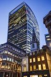 LONDON, GROSSBRITANNIEN - 2016 03 02: 20 Fenchurch St. am Abend in London Stockfotos