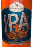 LONDON, GROSSBRITANNIEN - 2. JANUAR 2018: Füllen Sie Aufkleber des Bieres hellen Bieres IPA-greene Königs Indien auf Weiß ab Stockfotografie