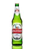 LONDON, GROSSBRITANNIEN - 23. MÄRZ 2017: Flasche Eisvogelbier auf Weiß Eisvogel ist das Nummer Eins-Bier von Indien Stockfotos