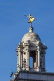 LONDON, GROSSBRITANNIEN - 6. NOVEMBER: Replik vergoldete Statue von Anna Pavlova stockfotos