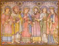 LONDON, GROSSBRITANNIEN - 15. SEPTEMBER 2017: Das mit Ziegeln gedeckte Mosaik von Aposteln und von Heiligen in der Kirche alle He Lizenzfreies Stockbild