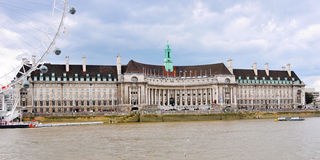 London historic building and Thames river Royalty Free Stock Photography