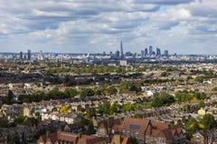 London horisont från Dawson& x27; s-höjder Arkivfoto