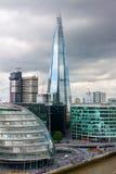 London horisont med stadshusandeskärvan Royaltyfria Bilder