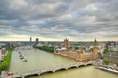 London horisontlandskap med Big Ben, slott av Westminster, London öga, Westminster bro, flodThemsen, London, England, UK Fotografering för Bildbyråer