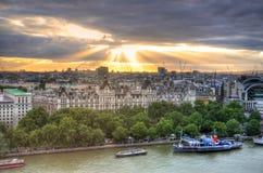 London horisontlandskap med Big Ben, slott av Westminster, London öga, Westminster bro, flodThemsen, London, England, UK Royaltyfria Foton