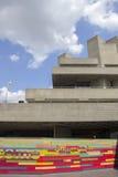 LONDON - JUNI 21 Buildien för nationell teater för brutalistbetong Arkivbild