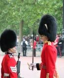 London Juni 2016 - gå i skaror färgen göra till drottning Elizabeths 90th födelsedag Arkivfoton