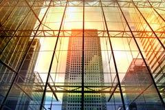 London Kontorsbyggnader av Canary Wharf modern arkitektur Arkivbild