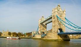 London-Kontrollturm-Brücke Lizenzfreies Stockfoto