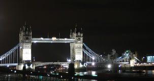 London - Kontrollturm-Brücke Lizenzfreie Stockfotos