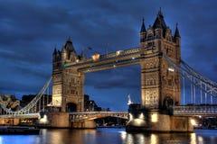 London-Kontrollturmbrücke Stockfotografie