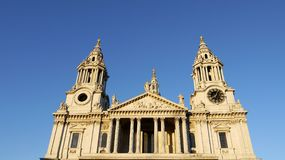 London landmarks: St Paul's cathedral pano Royalty Free Stock Photography