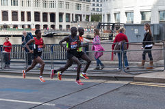 London maraton 2012 - Kipsang, Lilesa, Kirui Royaltyfri Bild