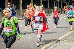 London maraton 2016 royaltyfria bilder