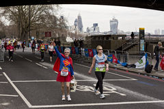London maratondeltagare Royaltyfri Bild