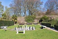 LONDON - MARS 24: Schackbräde på Holland Park på mars 24, 2014 i London Holland Park är ansedd av den mest romantiker royaltyfri fotografi