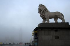 London morgon i dimma Fotografering för Bildbyråer