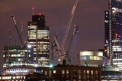 London-Nächte mit Canary Wharf-Ansicht stockfotografie