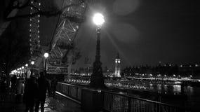 London-Nacht lizenzfreie stockfotos
