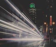 London-Nachtlicht-Spuren Stockfotografie