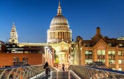 London-Nachtskyline - Großbritannien Stockfotografie