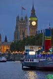 london natt Sikt av Big Ben Arkivfoton