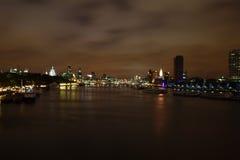 london nattthames sikt Royaltyfri Fotografi