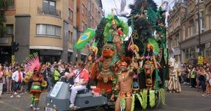 London Notting Hill karneval Ståta av dansare och dräkter Royaltyfri Fotografi