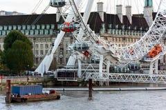 LONDON - 3. NOVEMBER: Ansicht entlang die Themse in London auf N Stockfoto