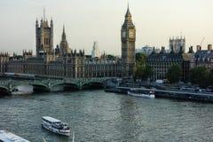 London och Themsen från ögat Fotografering för Bildbyråer