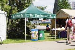 London Ontario, Kanada - Juli 10, 2016: Eco station med folk Arkivbild