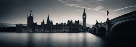 London på skymning Arkivfoton