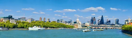 Free London, Panoramic View Over Thames River With London Skyline On Royalty Free Stock Photo - 117446645