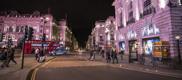 London Piccadilly Street Corner - wide angle shot LONDON, England - United Kingdom - FEBRUARY 22, 2016 Royalty Free Stock Photography