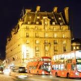 London Ritz Hotel på natten Arkivfoton
