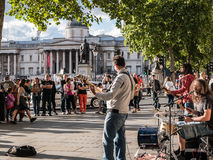 London rock band plays for onlookers near National Gallery, Lond Royalty Free Stock Photos