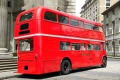 London-roter doppelter Decker-Bus Stockfotos