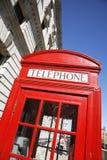 London-roter Telefon-Stand stockfotos