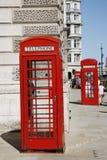 London-roter Telefon-Stand stockbilder