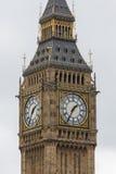London-` s Big Ben, ist im Jahre 2017 für eine Wiederherstellung still Stockbilder