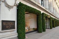 London Selfridges jul Arkivbild