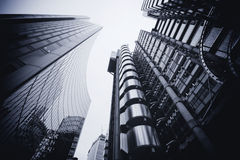 LONDON - 21. SEPTEMBER: Das Lloyds-Gebäude reflektiert Stockbild