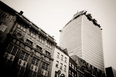 LONDON - SEPTEMBER 21: Den Walkie Talkiebyggnaden Arkivfoto