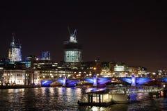 London-Skyline bis zum Nacht Lizenzfreie Stockfotos