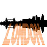 London-Skyline mit Poundtext Stockbild