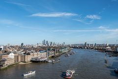 London-Skyline mit skysrapers auf blauem backgroung Lizenzfreies Stockbild